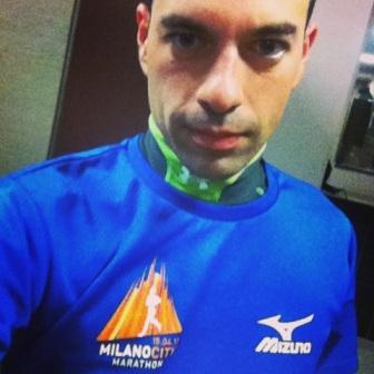 Preparare una maratona con la maglietta della maratona precedente. Aiuta.